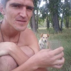 Парень ищет девушку для вирт секса и для реальных встреч в Омске